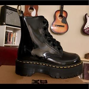 Dr. Martens Patent Molly 6 Eye Boots